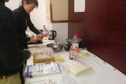 JPCS主催の試食会風景-1